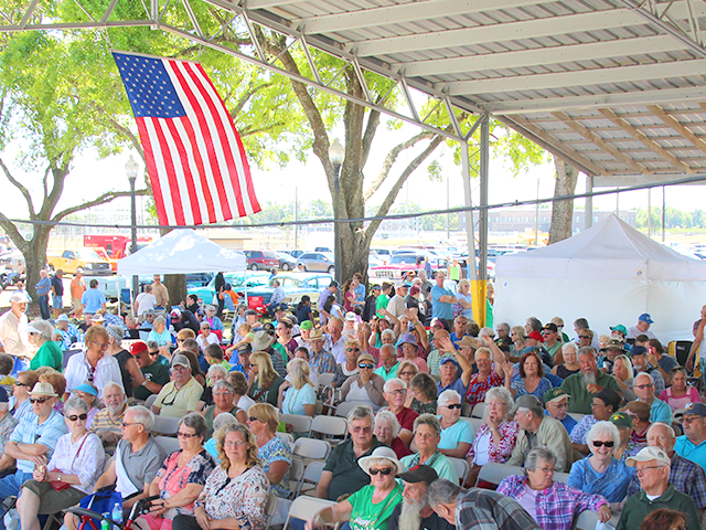 Annual Meeting crowd 2018